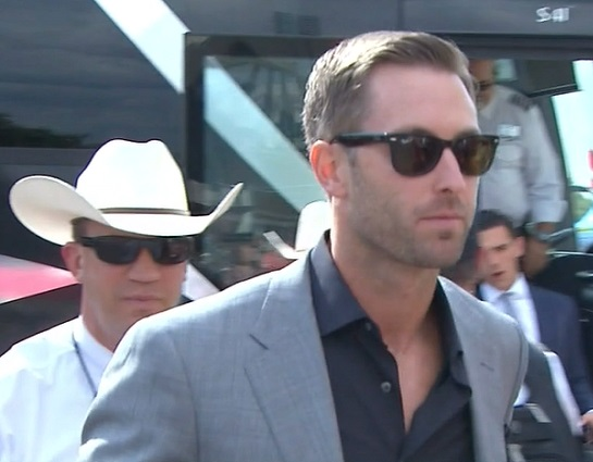 kliff-kingsbury-bus